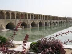Si-O- Se Pol (Thirty Three bridges)
