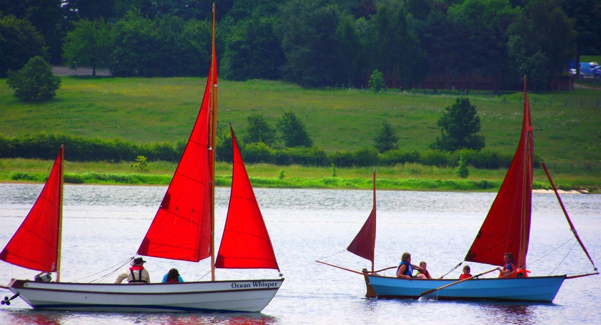 Red sails on Pitsford
