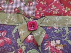 Front bow and button detail