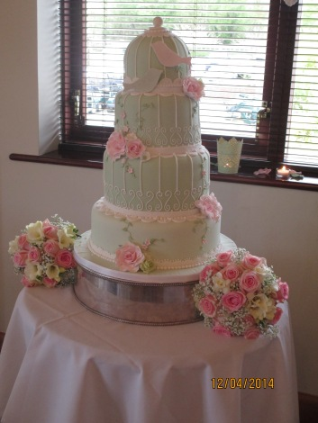 The Birdcage cake