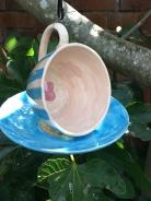 Cup & saucer bird feeder